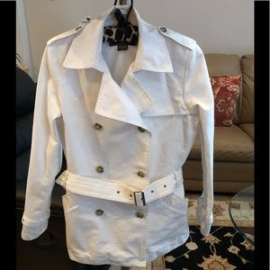 Eddie Bauer White Cotton Trench Coat. small, EUC